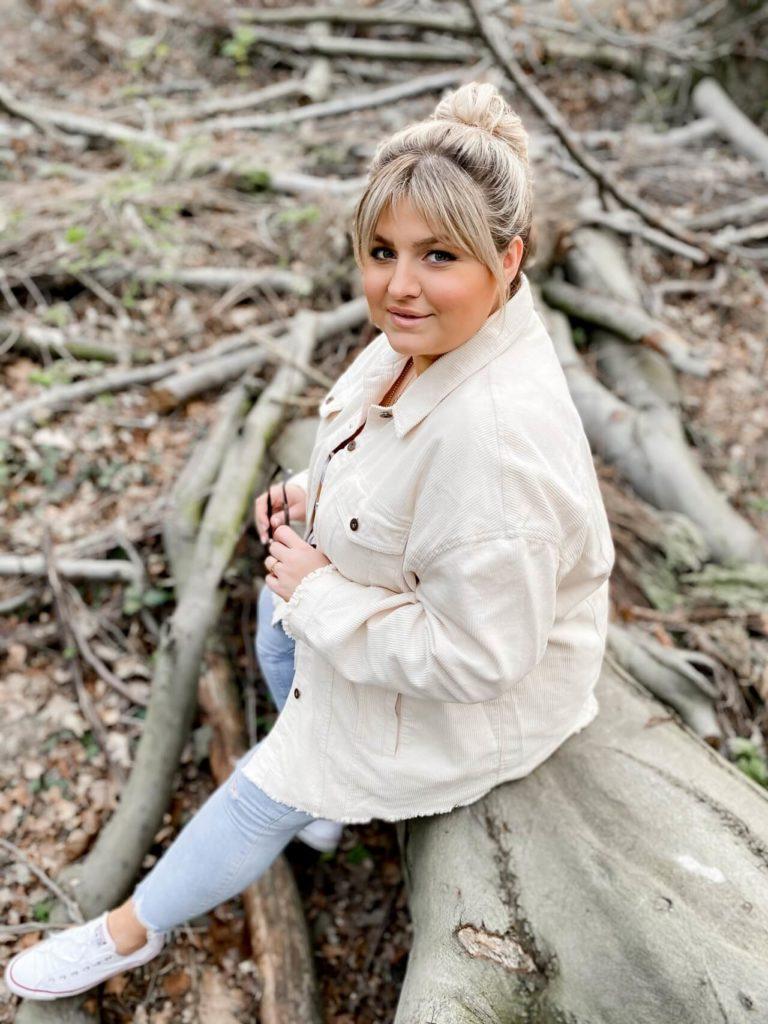 elabonbonella plus size expert blog skinny jeans in großen größen 23